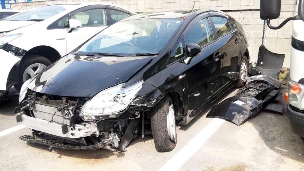 プリウスの交通事故画像
