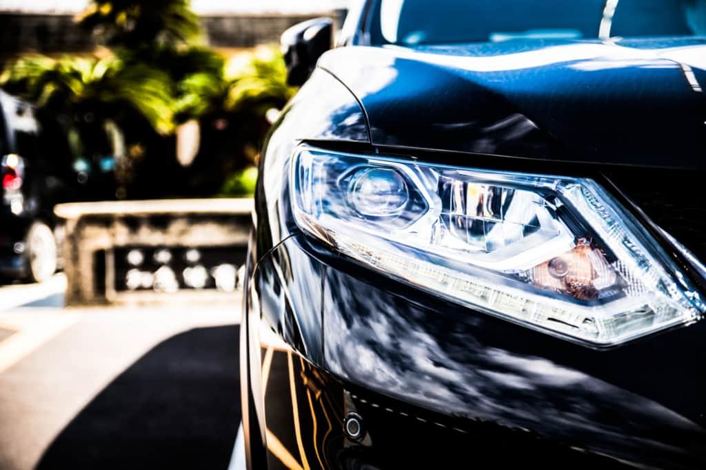 車のヘッドライト