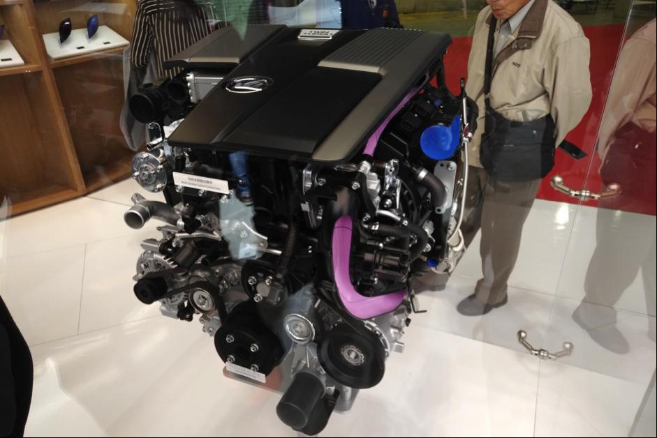 LEXUS LS500のエンジン