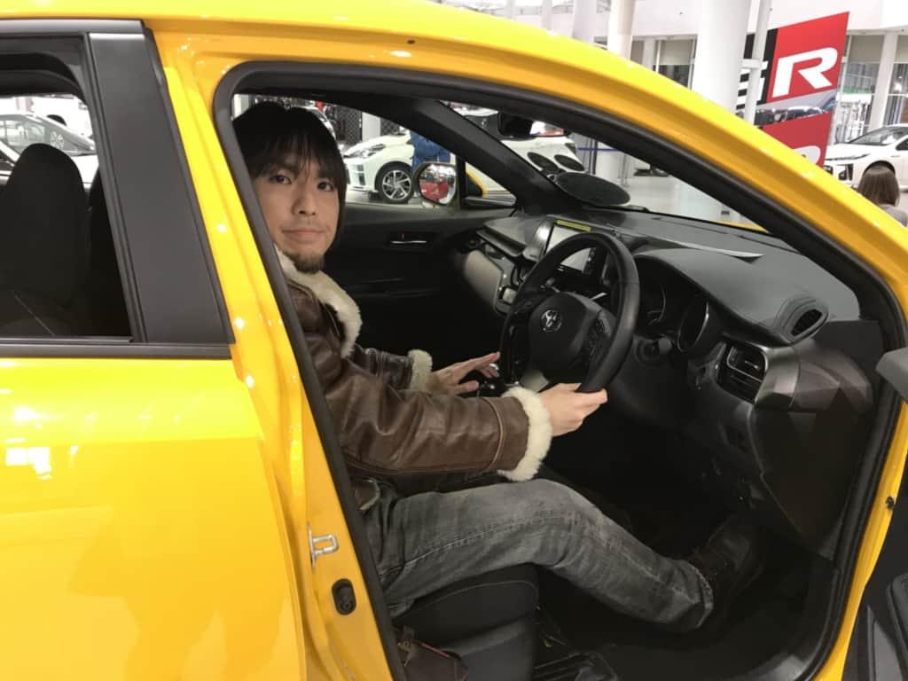 C-HRの運転席
