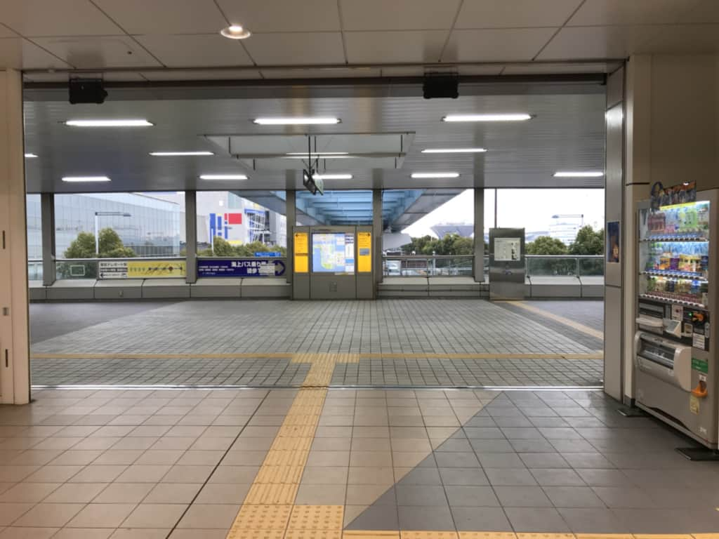 青梅駅改札からの風景