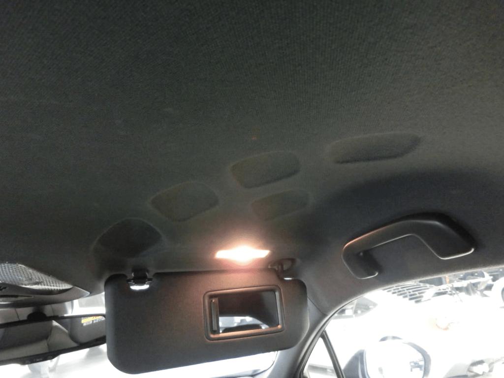 C-HRの天井のくぼみ