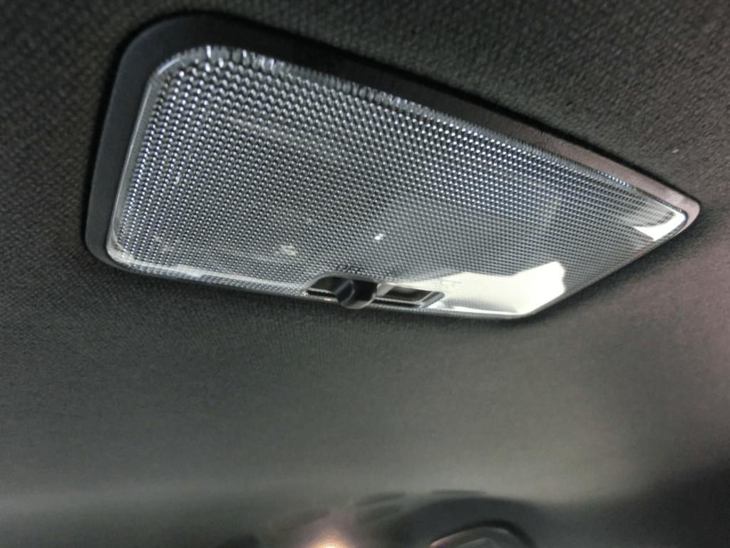C-HRの天井の室内灯