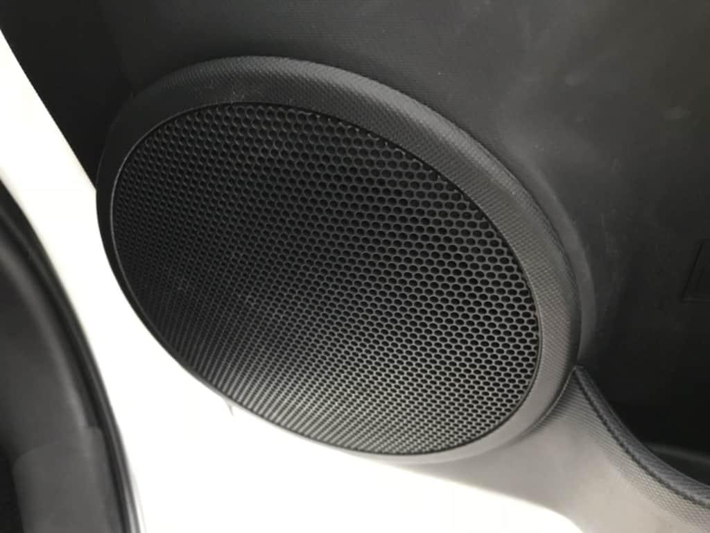 アクアの運転席のドアスピーカー