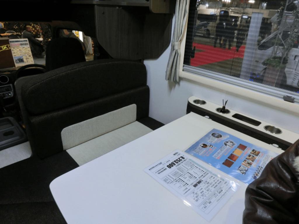 キャブコンのソファベッド