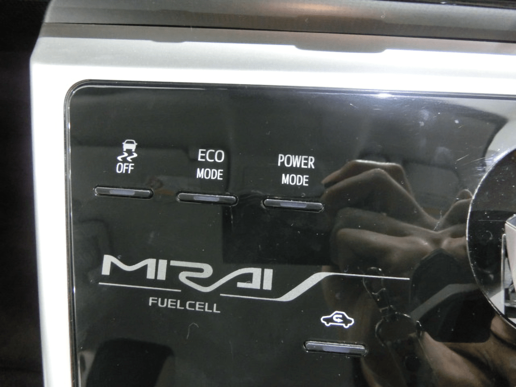 MIRAIのスイッチ各種