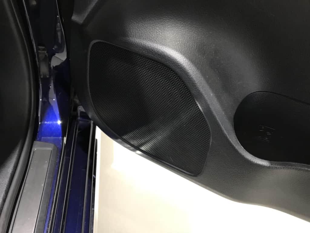 クラウンマジェスタの運転席のドアスピーカー