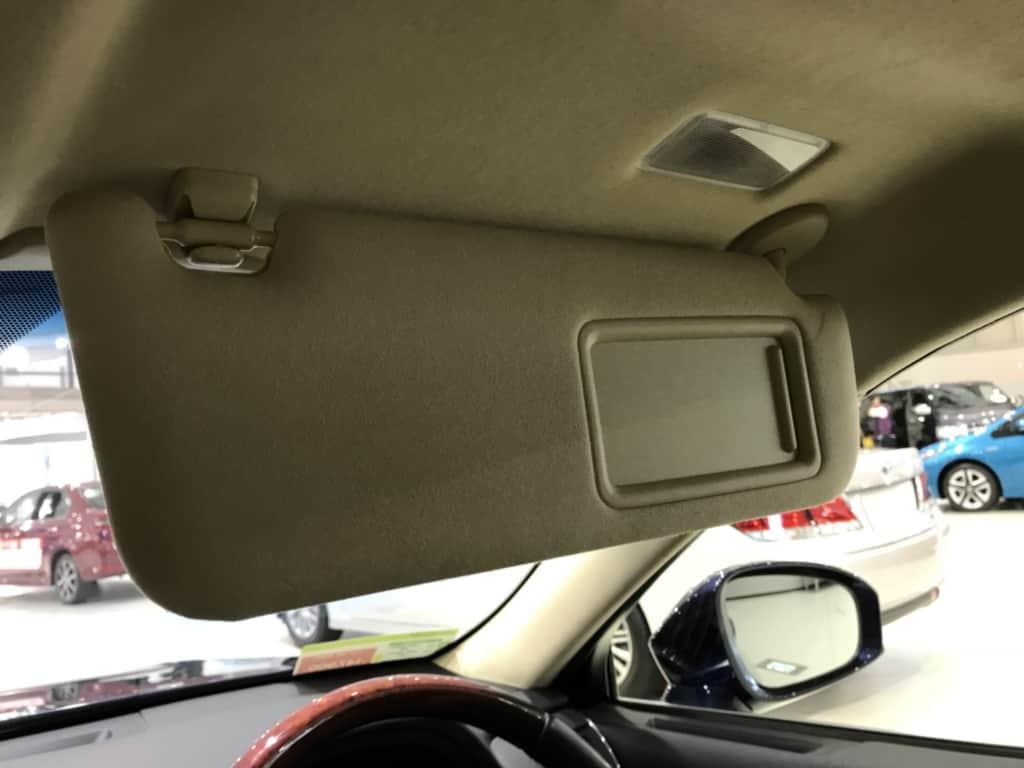 クラウンマジェスタの運転席のサンバイザー
