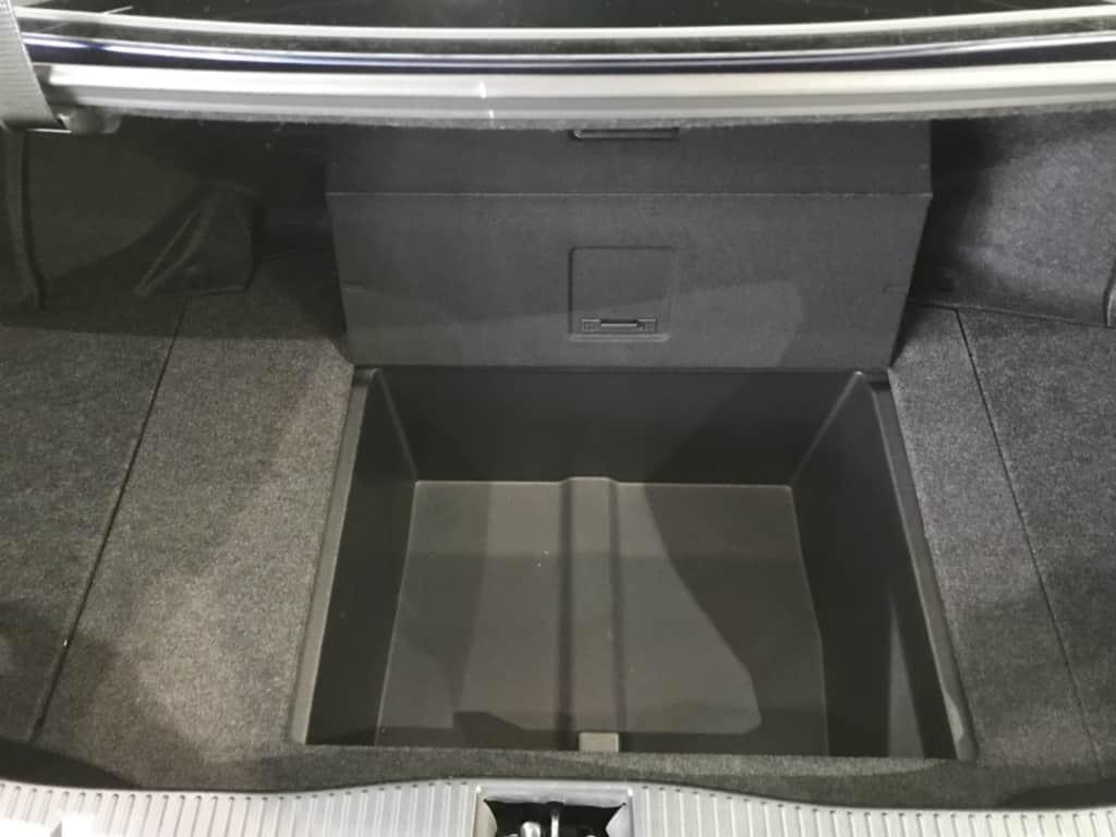 クラウンマジェスタのトランクの収納