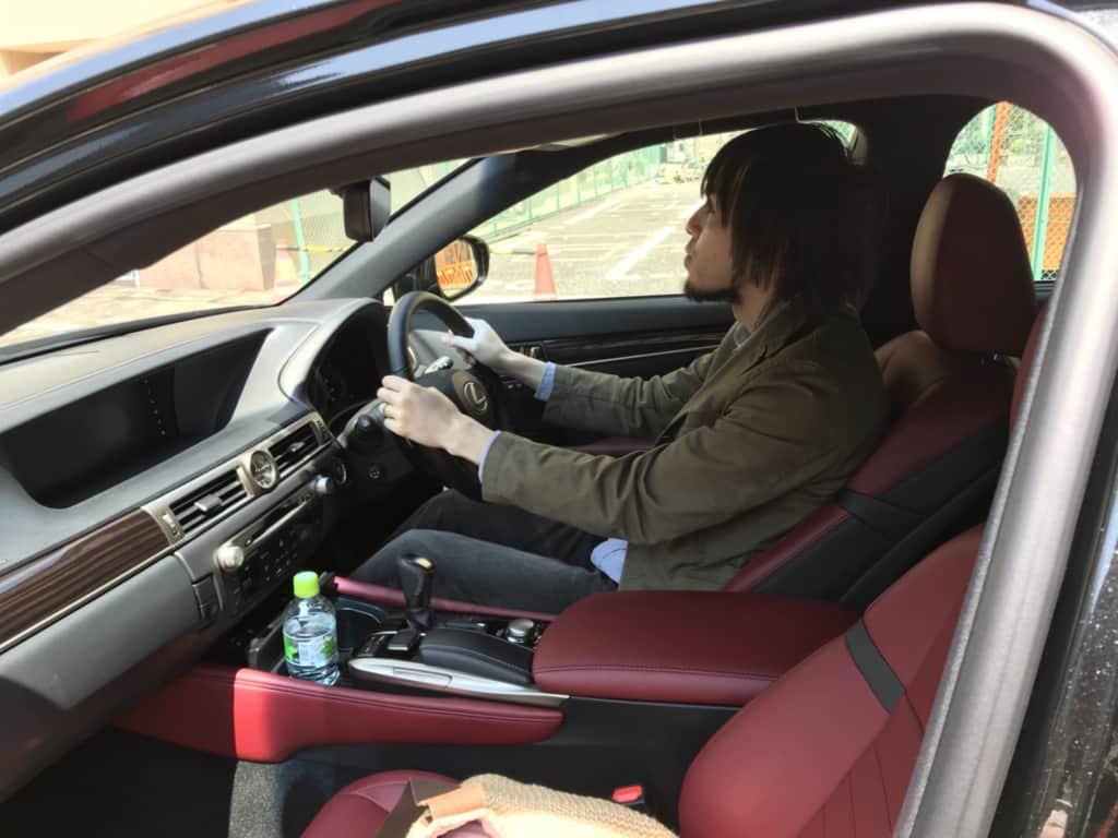 レクサスGSの運転席
