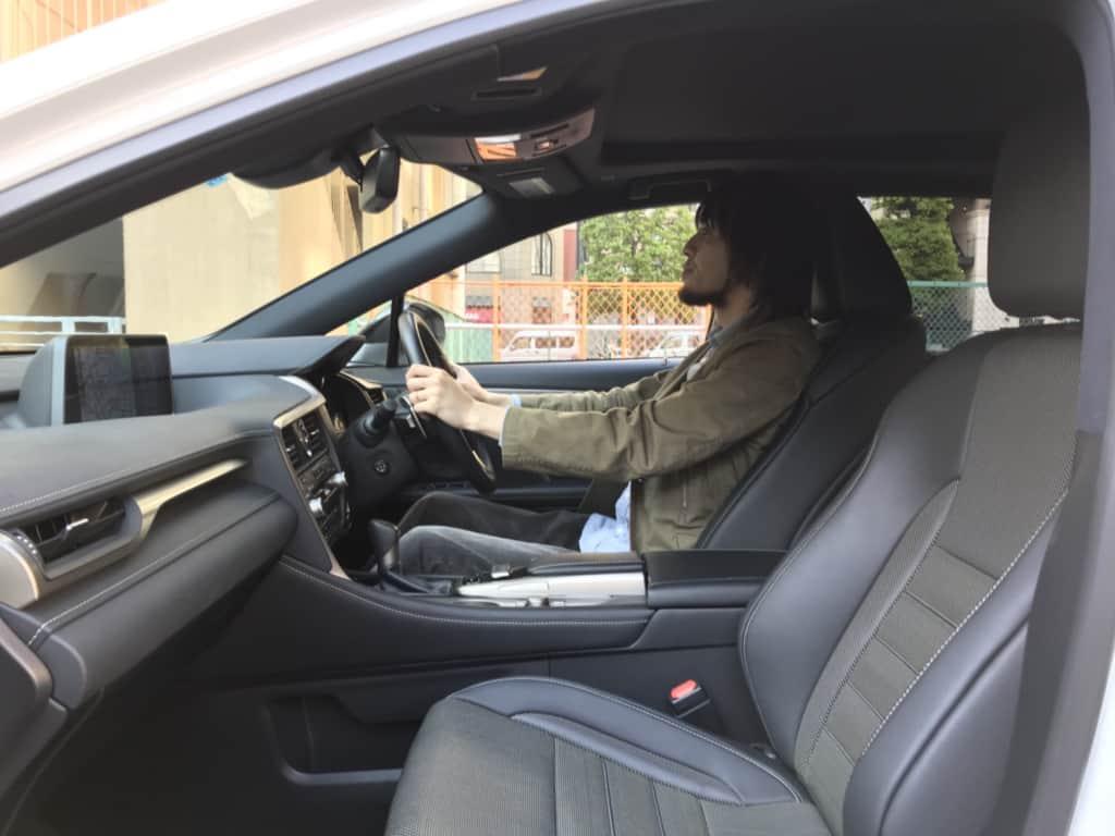 レクサスRXの運転席の乗車