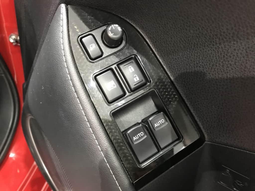 86の運転席ドアのドアロックスイッチとパワーウィンドウスイッチ