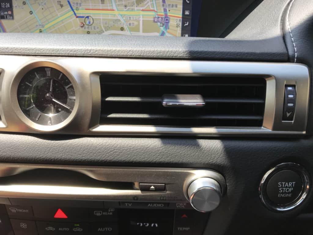 レクサスGSの運転席側のエアコン吹き出し口