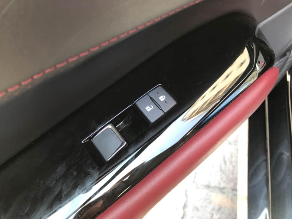 レクサスGSの助手席ドアのパワーウィンドウスイッチ