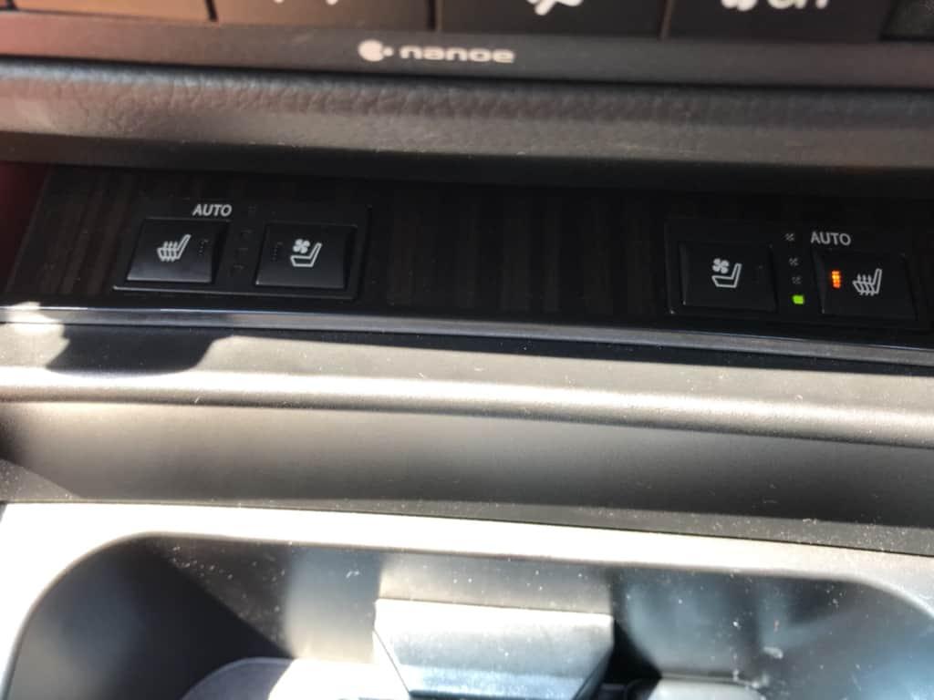 レクサスGSのシートヒータースイッチ