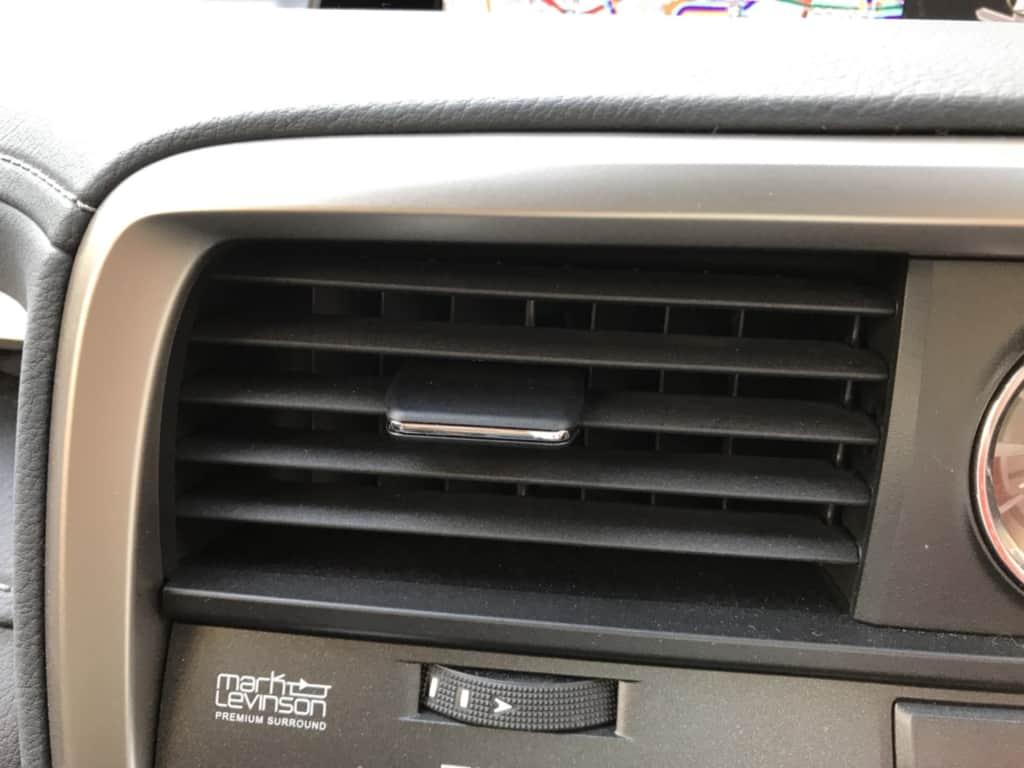 レクサスRXの助手席側エアコン吹き出し口