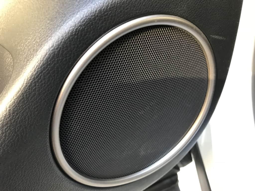 レクサスRXの後部座席ドアのスピーカー