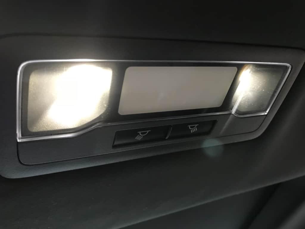 レクサスRXの後部座席の室内灯