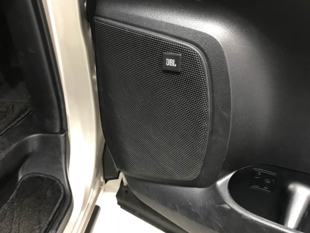 ヴェルファイアの運転席ドアのスピーカー