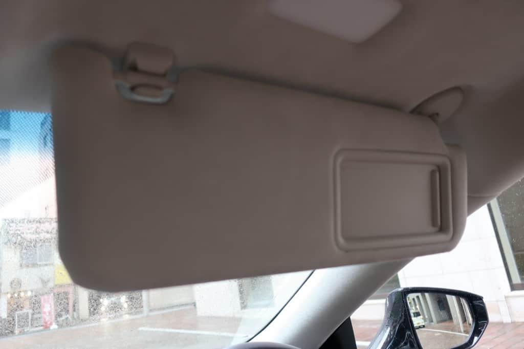 レクサスLSの運転席側のサンバイザー