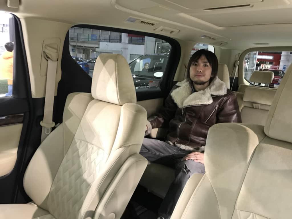 ヴェルファイアの車内空間
