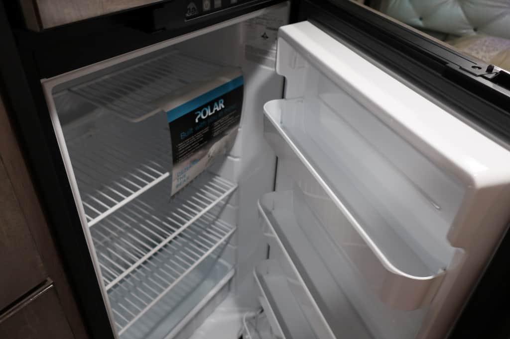 エコノライン ウィネベーゴアスペクトの冷蔵庫