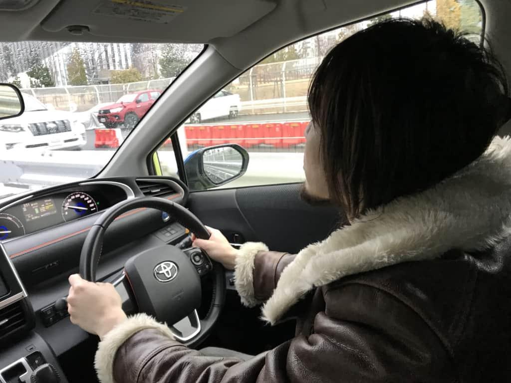 シエンタのハイブリッドモデルの運転