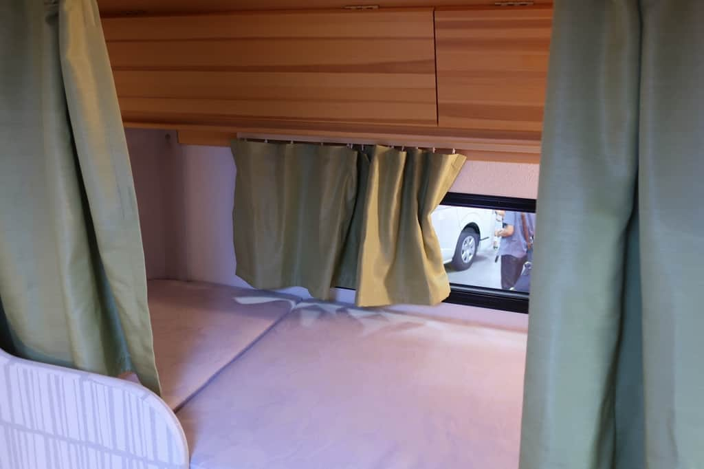 ボンゴ アミティ ベッド