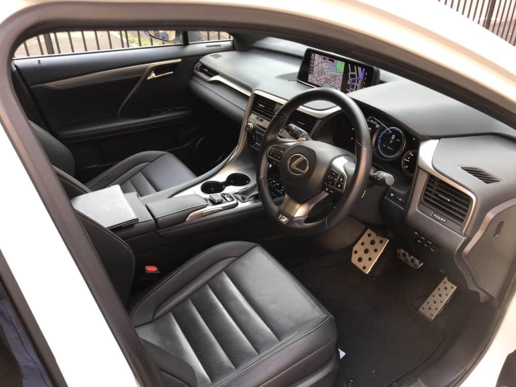 レクサスRX 運転席