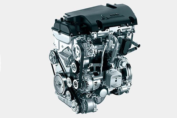 デリカD:5 エンジン