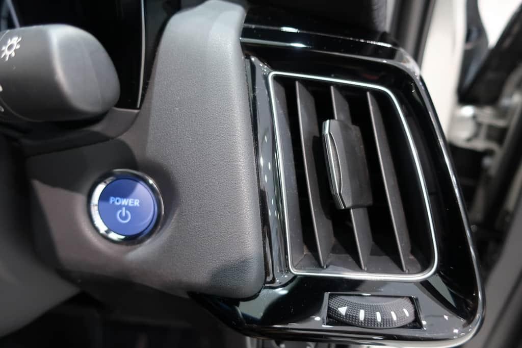 クラウン 運転席側のエアコン吹き出し口