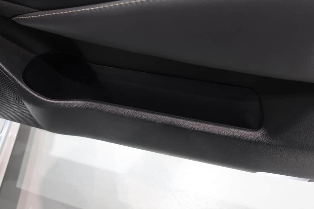 クラウン 運転席ドアポケット