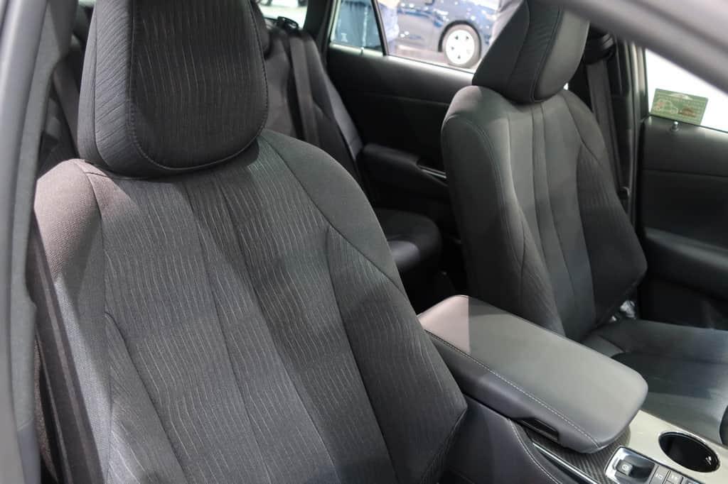 クラウン 運転席から見た前席