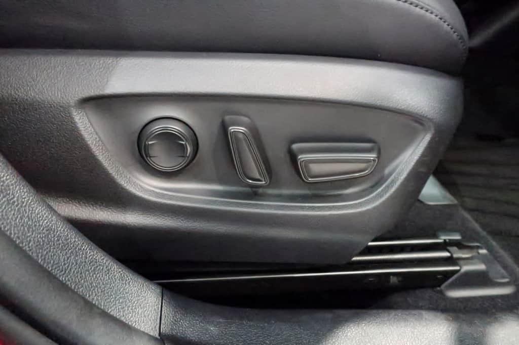 プリウス 運転席パワーシートスイッチ