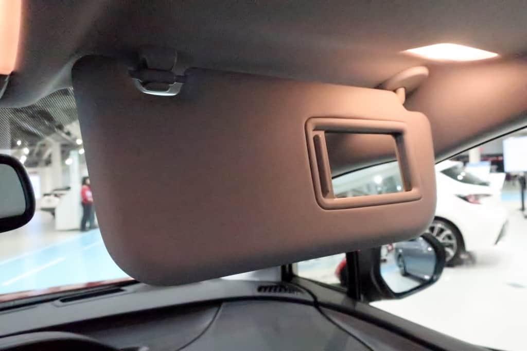 プリウス 運転席サンバイザー ミラー ライト