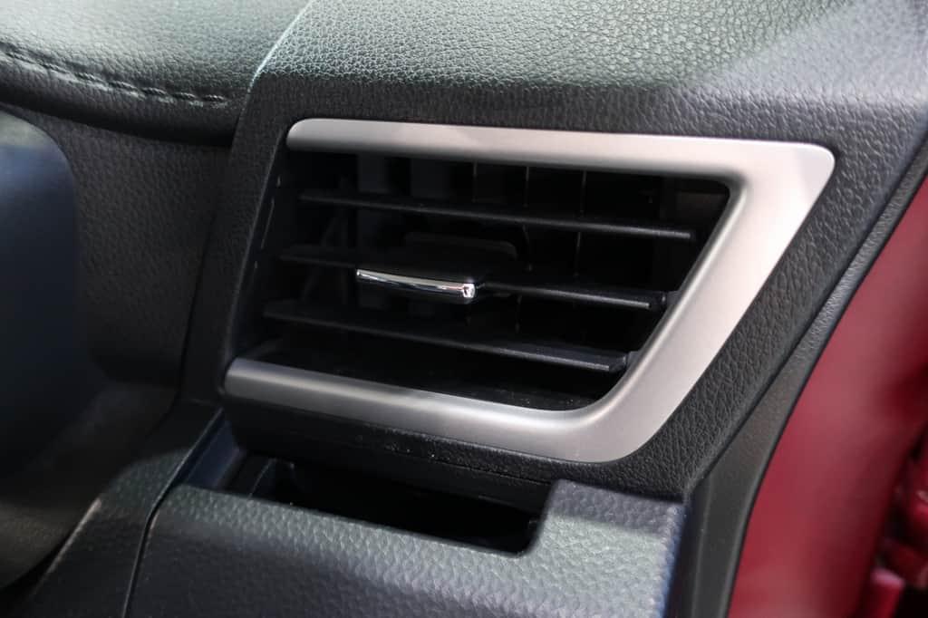 タンク 運転席側エアコン吹き出し口