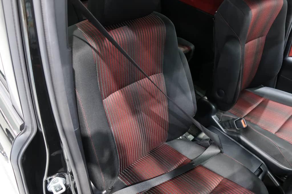 ヴォクシー 運転席シートベルト