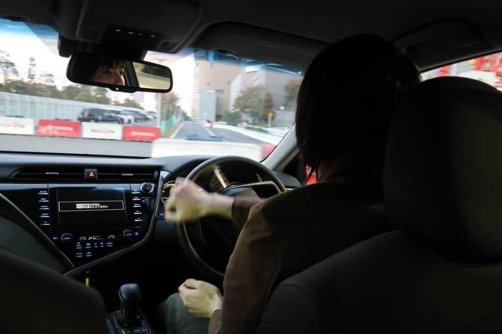 カムリ 運転