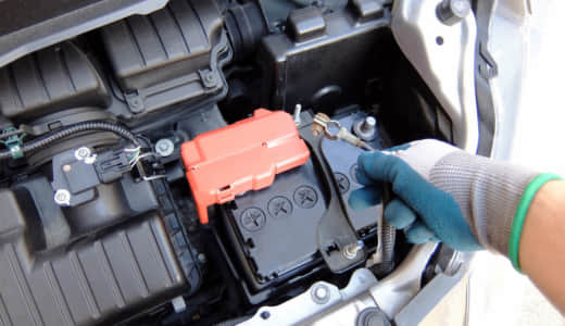 ハイブリッド車の補機バッテリーの寿命!交換時期/方法と充電についてまで全て解説!