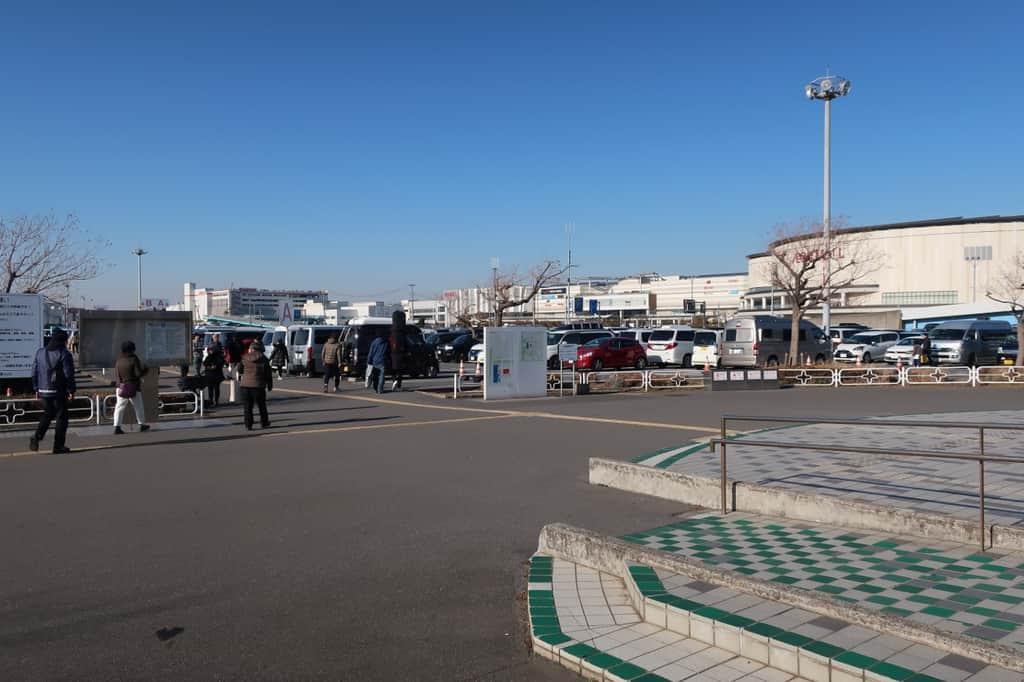 ジャパンキャンピングカーショー 駐車場
