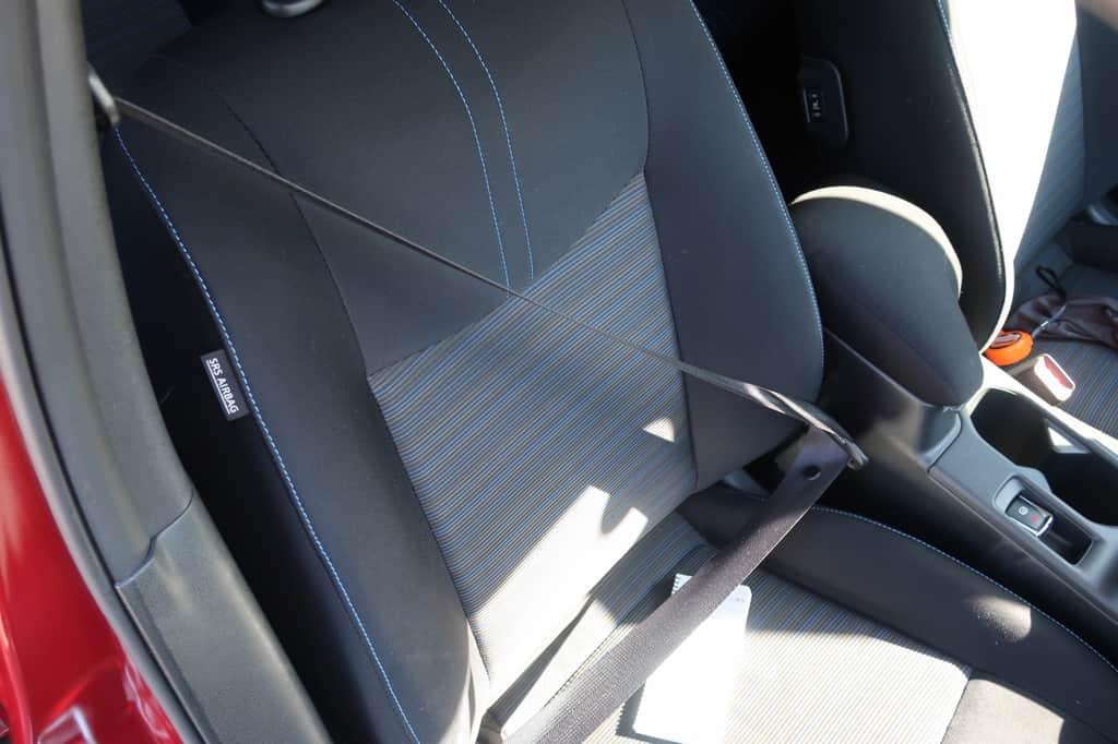 リーフ 運転席シートベルト