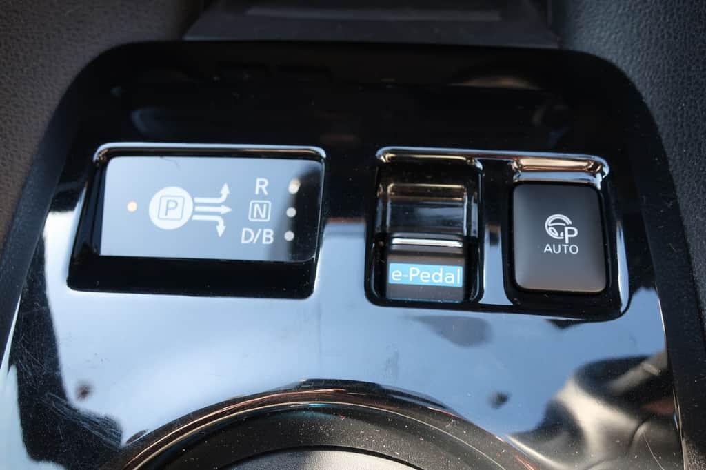 リーフ e-Pedal