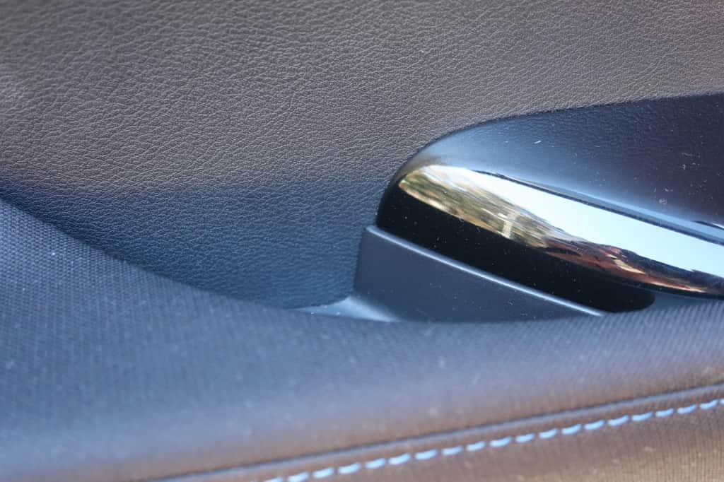 リーフ 後部座席ドアポケット