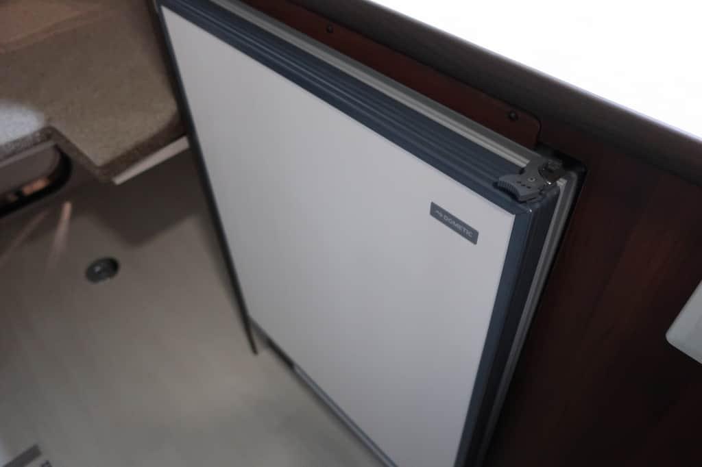 ハイエース TOM200 冷蔵庫