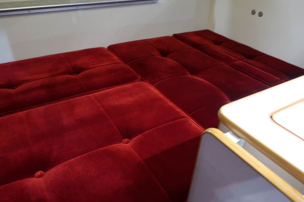 ハイゼット バロッコ ベッド