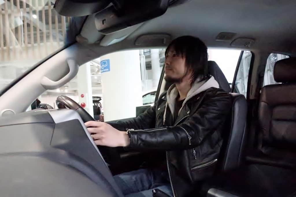 ランドクルーザー 運転姿勢