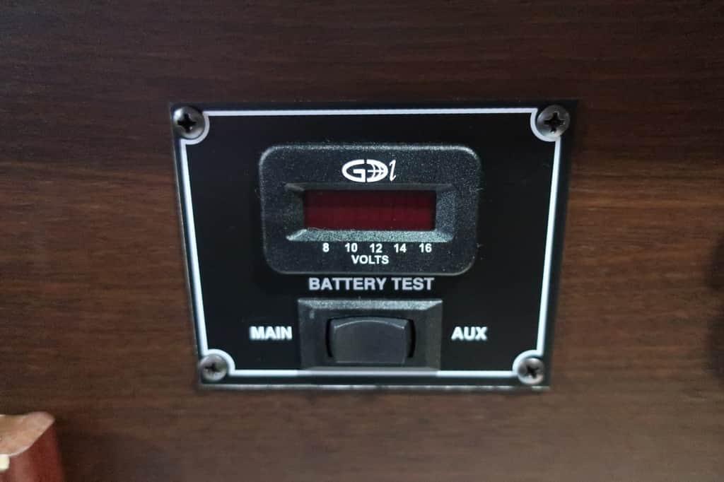 NV350 ツインズフォー バッテリーチェッカー