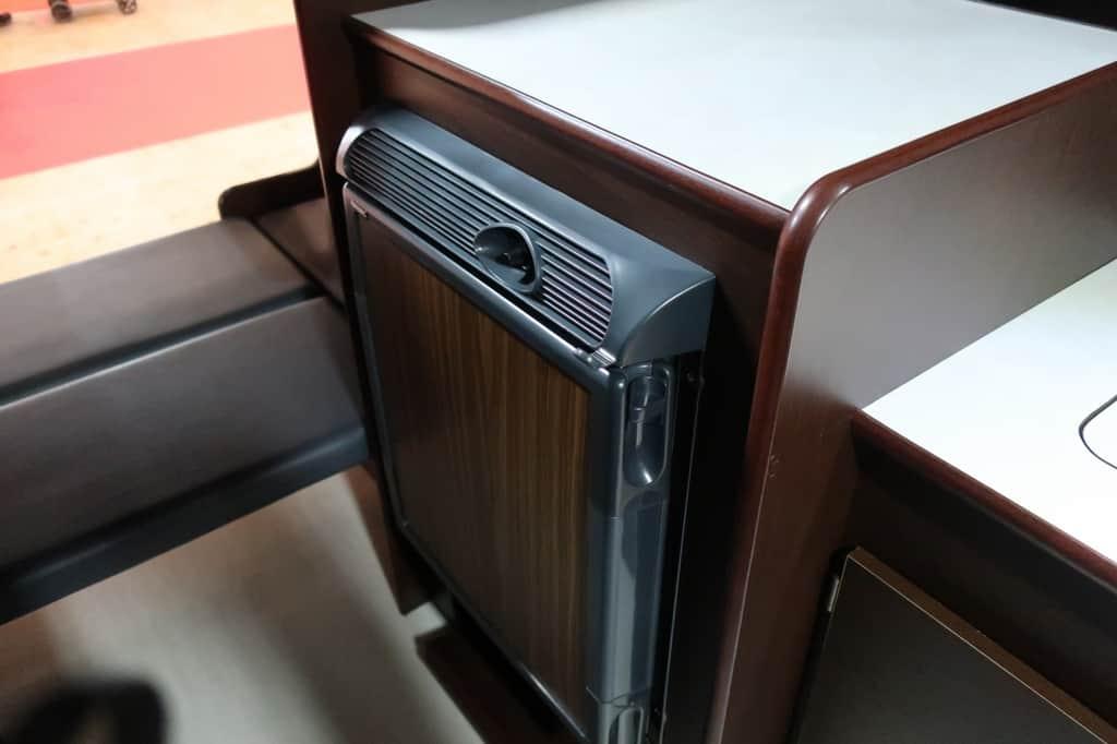 NV350 ツインズフォー 冷蔵庫