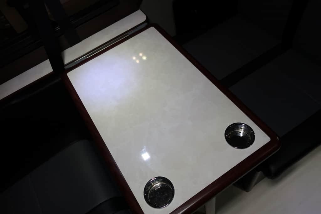 NV350 ツインズフォー テーブル