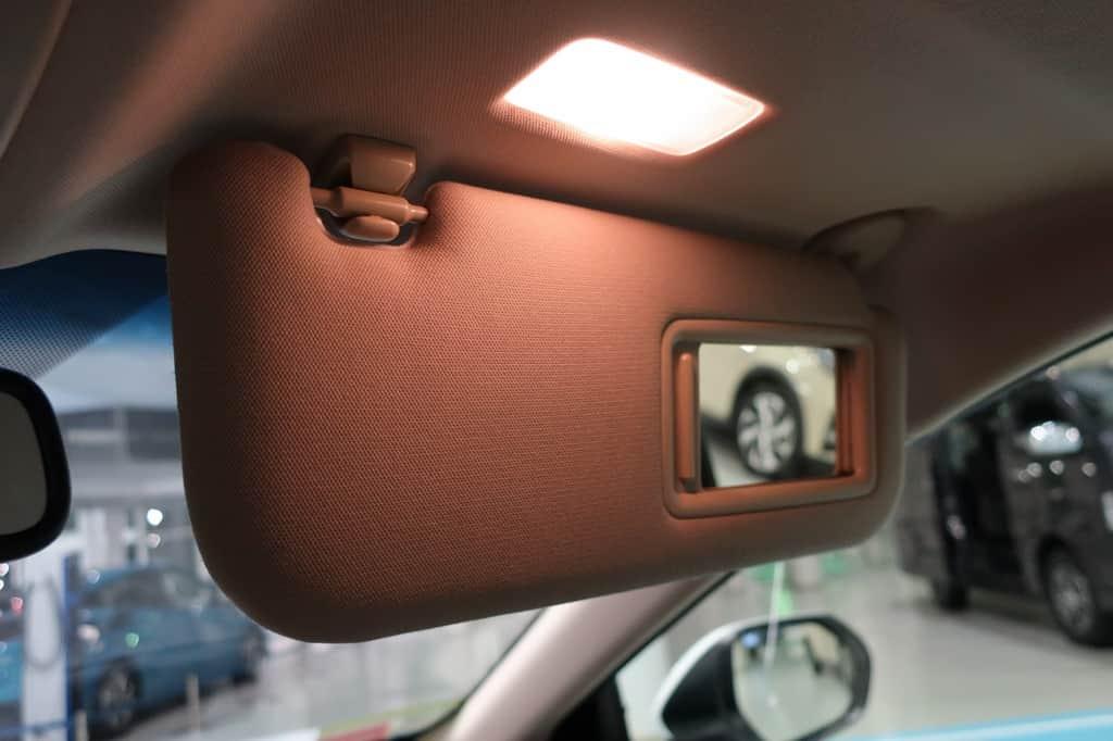 カムリ 運転席サンバイザー ミラー ライト